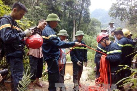 Diễn biến mới nhất vụ 3 phu vàng mắc kẹt trong hang sâu ở Thanh Hóa