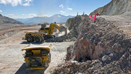 Các công ty khai mỏ gặp khó khăn khi giá nguyên liệu giảm