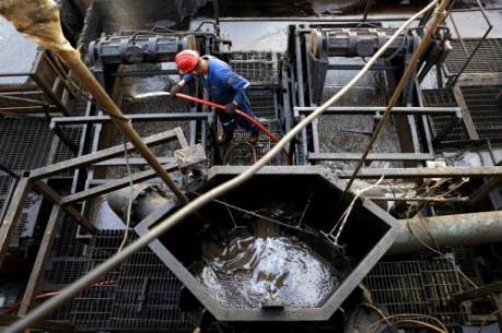 Giá dầu thế giới ngày 8/6 lập mức đỉnh mới từ đầu năm tới nay