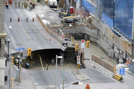 Hố tử thần lớn xuất hiện ngay trung tâm thủ đô Canada
