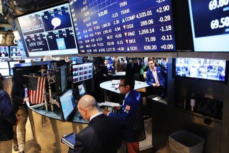 S&P ghi dấu tuần giảm điểm đầu tiên trong bốn tuần qua