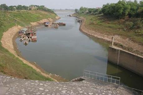 Đê sông Bùi đoạn qua Chương Mỹ- Hà Nội sạt lở nghiêm trọng