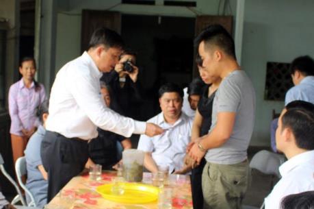 Lãnh đạo Đà Nẵng đến thăm hỏi gia đình người bị nạn trên sông Hàn