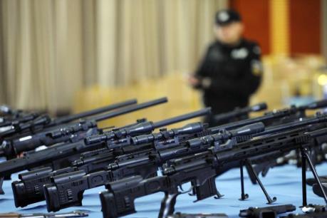 Mua sắm vũ khí trên thế giới tăng vọt trong năm 2015
