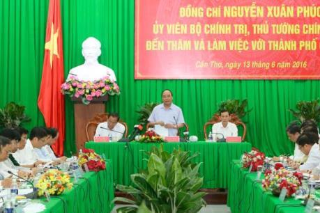 Thủ tướng Nguyễn Xuân Phúc yêu cầu Cần Thơ đẩy mạnh tái cơ cấu nông nghiệp