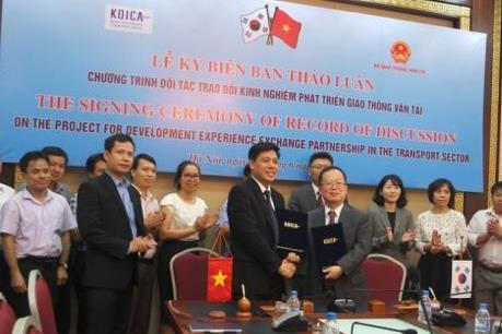 Hàn Quốc hỗ trợ Việt Nam phát triển giao thông vận tải