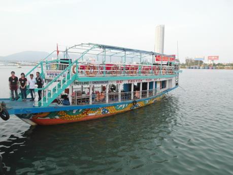 Đà Nẵng: Tàu du lịch trên sông Hàn hoạt động trở lại