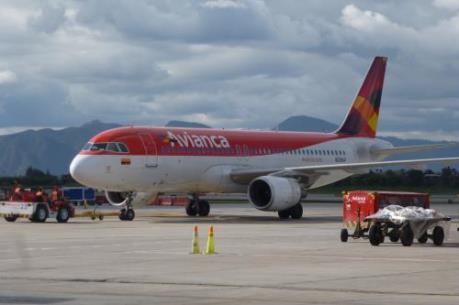"""Tập đoàn Trung Quốc dự định """"thôn tính"""" hãng hàng không lớn nhất Colombia"""