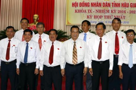 Ông Lữ Văn Hùng tái đắc cử chức vụ Chủ tịch UBND tỉnh Hậu Giang khóa IX