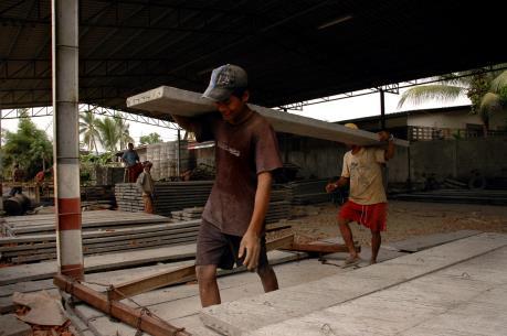 Malaysia bắt giữ hơn 27.000 lao động bất hợp pháp