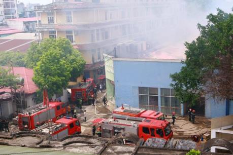 Hà Nội: Đang cháy lớn tại 109 Trường Chinh