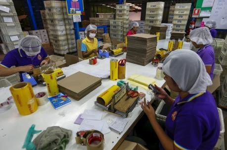 Malaysia thiệt hại 6 tỷ USD do lệnh cấm tuyển mới lao động nước ngoài