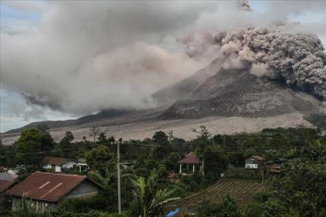 Philippines: Núi lửa Kanlaon phun khói và tro bụi