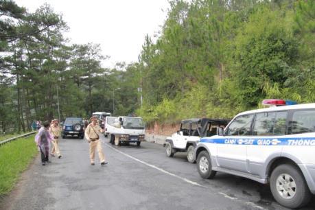 Phân luồng giao thông trên đèo Prenn sau tai nạn thảm khốc