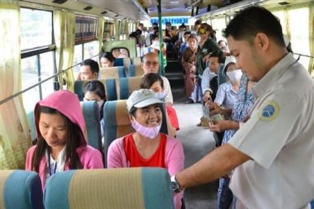 Miễn phí xe bus cho thí sinh dự thi THPT