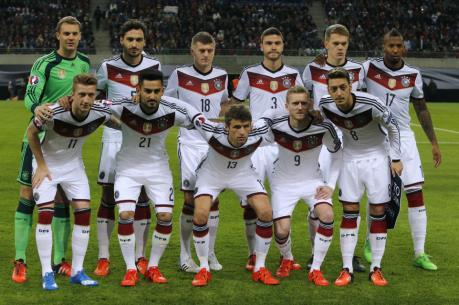 Adidas tài trợ cho đội tuyển Đức cho tới năm 2022