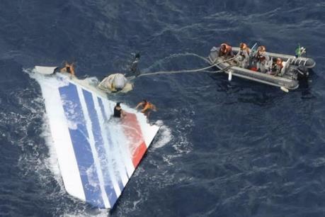 Mảnh vỡ tìm thấy ở Australia không thuộc máy bay MH370