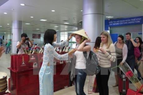 Xử lý nghiêm hướng dẫn viên du lịch nước ngoài hoạt động trái phép tại Việt Nam
