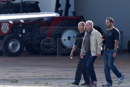 Cựu Bộ trưởng Kế hoạch Brazil bị bắt trong vụ Petrobras