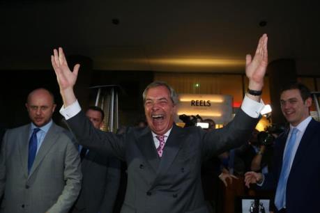 Phe ủng hộ Brexit giành chiến thắng
