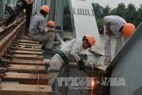 Bộ trưởng Giao thông Vận tải kiểm tra công tác thi công cầu Ghềnh