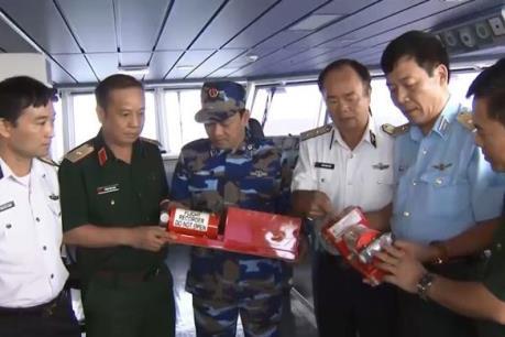 Tim mới nhất vụ máy bay CASA-212: Tìm thấy thêm hai thi thể thành viên phi hành đoàn
