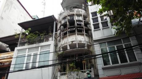 Cháy nhà 5 tầng ở phố Hàng Than