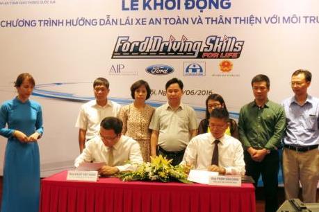 Ford Việt Nam đào tạo lái xe an toàn cho hơn 1.500 học viên
