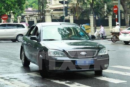 Xử lý hàng loạt xe ô tô có phù hiệu Bộ Công an, cơ quan Nhà nước không hợp lệ
