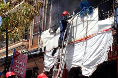 Hỏa hoạn thiêu rụi 700 triệu đồng tại cửa hàng tranh ảnh ở Quảng Ngãi