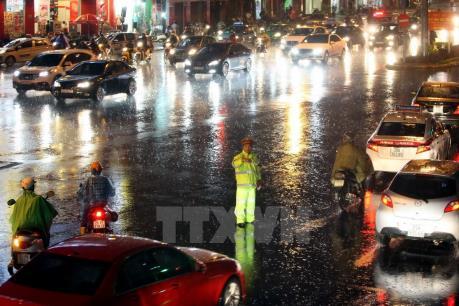 Dự báo thời tiết đêm 4/7: Hà Nội nhiều mây, có mưa to đến rất to