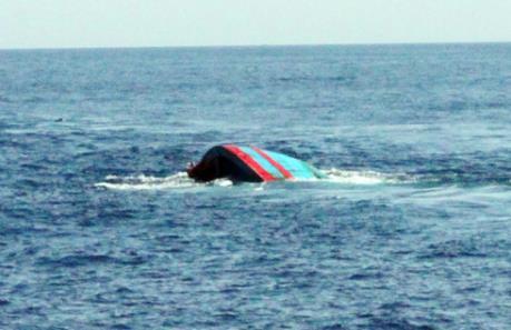 Chìm tàu tại Thái Bình: 3 người chết, 1 người mất tích