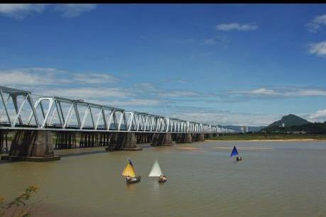 Phú Yên đề xuất xây mới cầu Đà Rằng