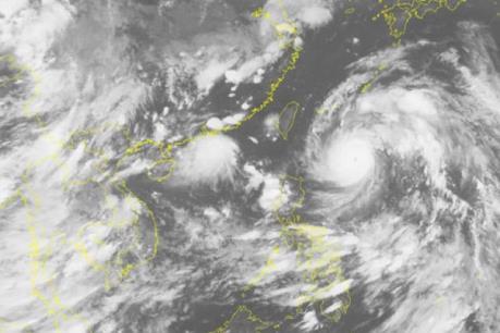 Bão Nepartak mang theo mưa to, gió lớn tiến vào miền Đông Trung Quốc