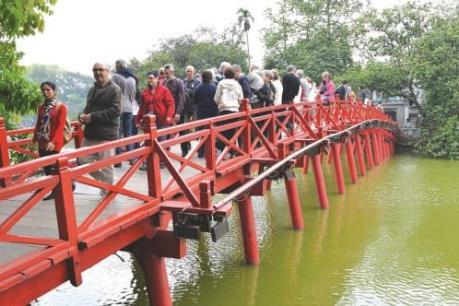 Hà Nội: Lượng khách du lịch hè tăng đột biến