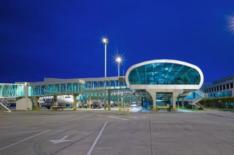 Brazil xem xét tư nhân hóa các sân bay nhằm giảm thâm hụt ngân sách