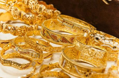 Giá vàng giảm do đồng USD ổn định