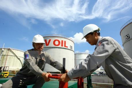 Ngành dầu khí tiếp tục khó khăn do giá dầu phục hồi chưa rõ