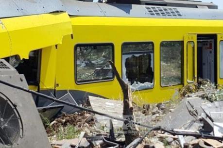 Vụ tai nạn tàu hỏa tại Italy: Chưa có thông tin công dân Việt gặp nạn