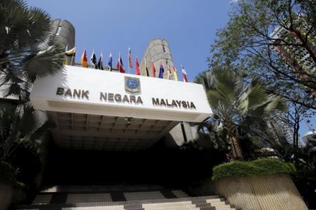 Malaysia lần đầu tiên trong 7 năm hạ tỷ lệ lãi suất