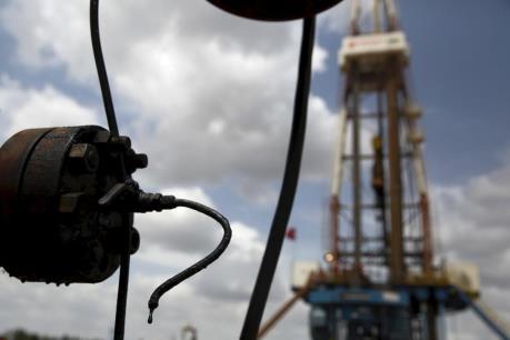 Trung Quốc tạm ngừng điều chỉnh giá chế phẩm dầu mỏ