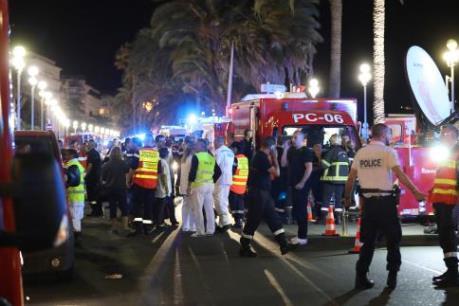 Vụ tấn công tại Pháp: Phát hiện nhiều thuốc nổ và lựu đạn trên chiếc xe tải