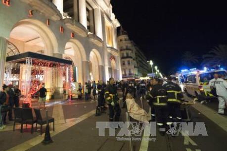 Vụ tấn công tại Pháp: Con số thiệt mạng đã lên tới 77 người