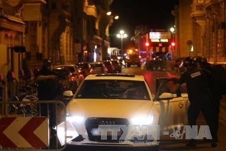 Vụ khủng bố tại Pháp: Pháp gia hạn tình trạng khẩn cấp thêm 3 tháng