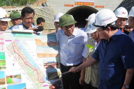 Phó Thủ tướng Trịnh Đình Dũng:  Cần đẩy nhanh tiến độ dự án cao tốc Đà Nẵng - Quảng Ngãi