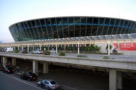 Sân bay Nice (Pháp) sơ tán khẩn cấp sau khi phát hiện một túi đồ khả nghi