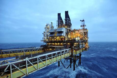 """Thị trường dầu mỏ tuần qua biến động """"thất thường"""""""
