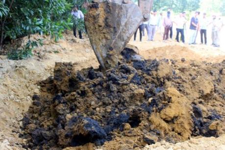 Phát hiện thêm điểm chôn chất thải của Formosa Hà Tĩnh tại thị xã Kỳ Anh
