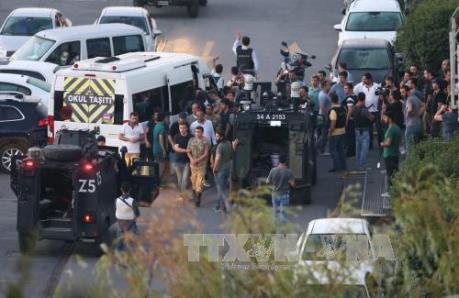 Vụ đảo chính ở Thổ Nhĩ Kỳ: Bắt giữ nhiều sĩ quan được coi là chủ mưu