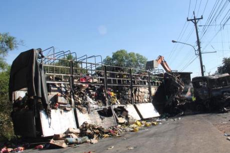 Xác định 4 xe trong vụ tai nạn liên hoàn ở Bình Dương, làm 2 người chết cháy
